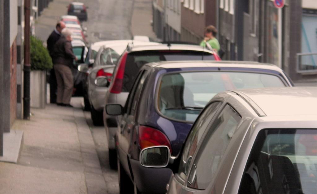 Parkeringsplatser offras för kollektivtrafiken