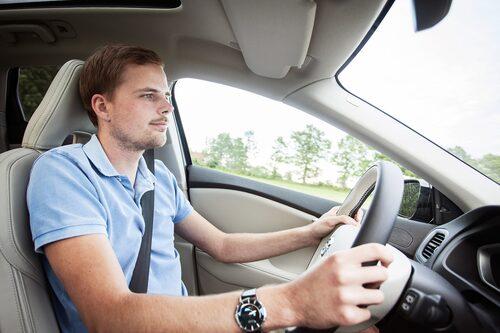 Bilen är skoj att köra, man sitter fantastiskt gott i framsätena och kvalitetskänslan är hög.
