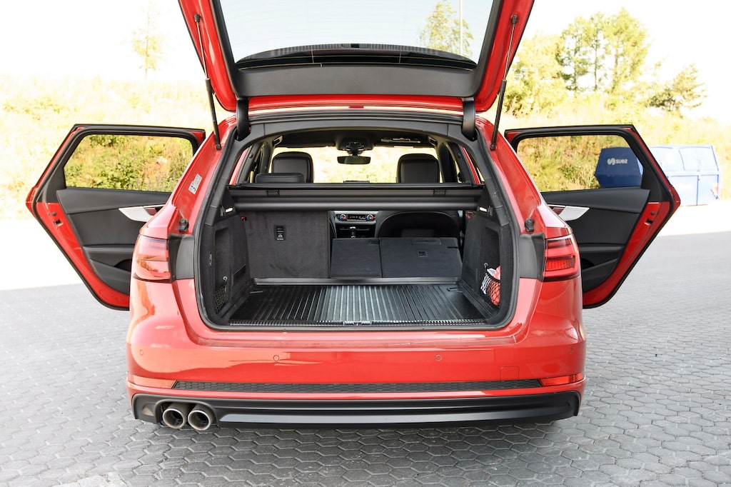 Audi A4 B9 har haft 40/20/40-delning sedan introduktionen.