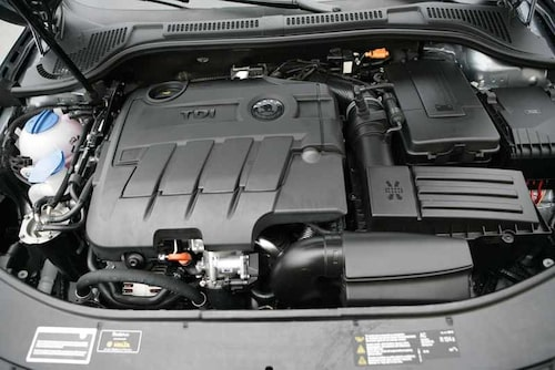 Motorn med sina 170 dieselhästkrafter är inget att klaga på. Stark och snål, vem behöver mer?