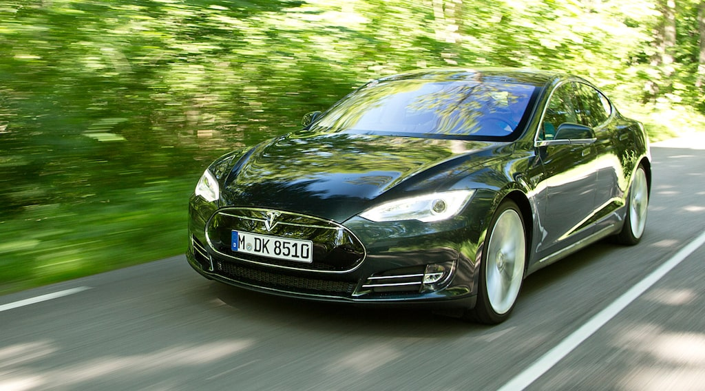Tesla Model S Signature Performance