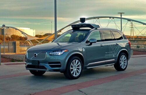 Det var en självkörande bil som denna som krockade med en kvinna som korsade vägen. Volvos sensorer hade inaktiverats och i stället var det Ubers teknik som tog hand om den autonoma körningen.
