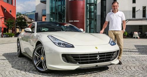 Vad gör du en dag som i dag? Linus är i Sydtyrolen och kör Ferraris lyxigaste vagn med 690 hästkrafter.