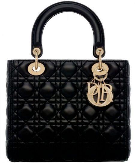 Handväska av kalvskinn, modell Lady Dior, 31 000 kr, Dior.