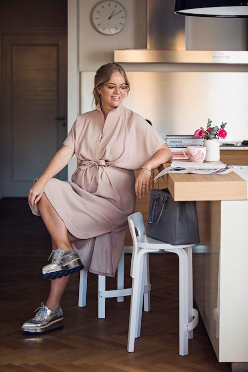 Ebba von Sydow visade inspirerande mammakläder i ett gravidmodejobb i mama 2017.