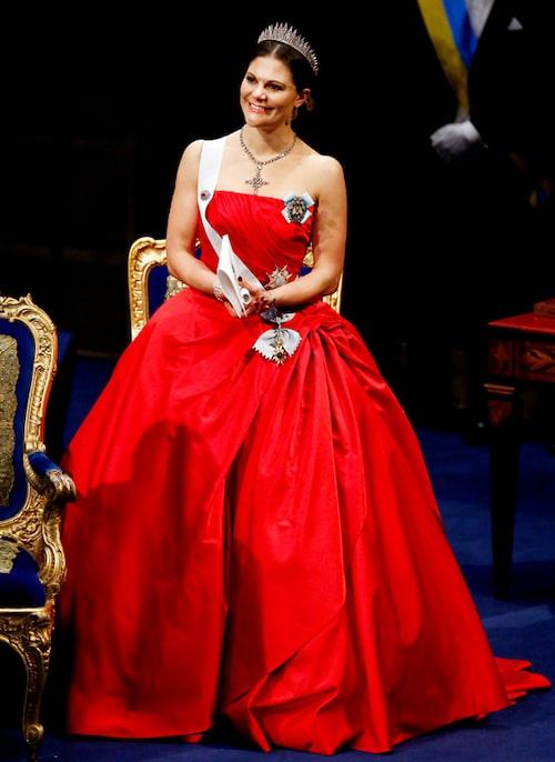 Kronprinsessan Victorias nobelklänning 2014.