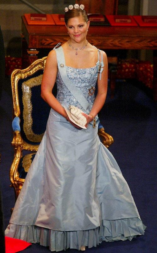 Kronprinsessan Victorias nobelklänning 2003.