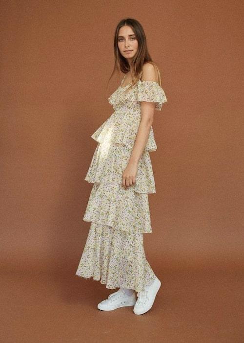 Blommönstrad klänning, 6 000 kr.