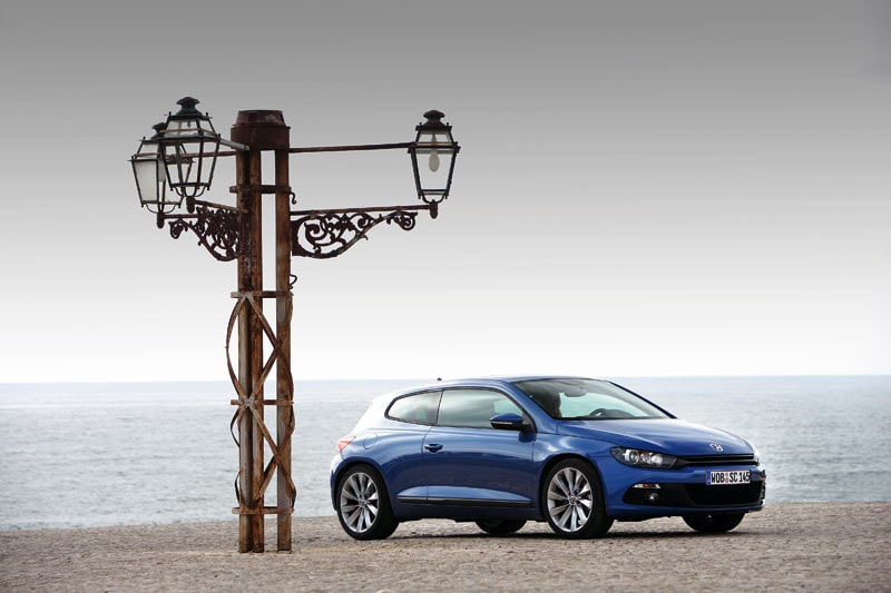 Låg front är Volkswagens nya melodi designmässigt. Kan kanske bilda ny skola?