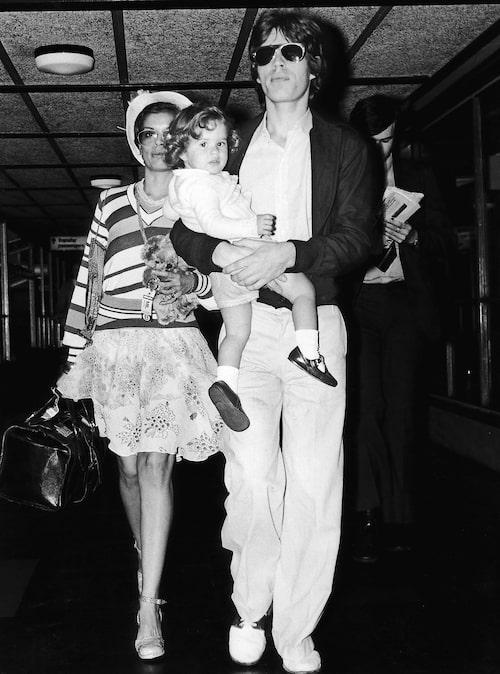 Som dotter till Mick och Bianca Jagger hamnade Jade tidigt i rampljuset.