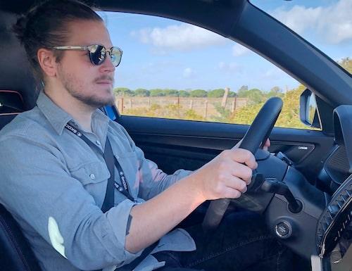 Som i de flesta Volkswagen-produkter är det inga problem att hitta en bra körställning, stolen ger bra stöd och ratten är rejält justerbar i både längd- och höjdled.