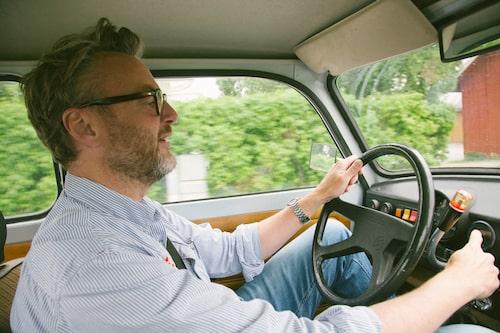 Kamrat Hedberg diggar det udda, oliktänkande hos Trabant även om det är trångt för hyfsat storvuxna.