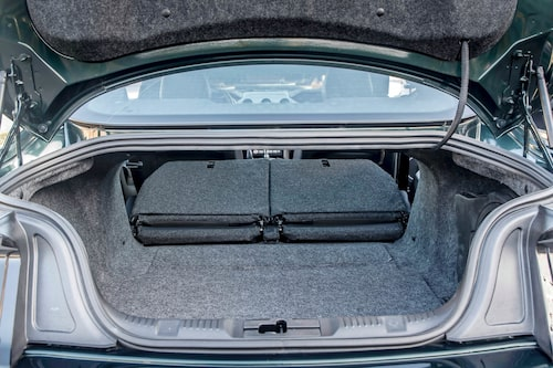 Bagaget är rymligt jämfört med andra sportbilar, 408 VDA-liter är en respektabel siffra.
