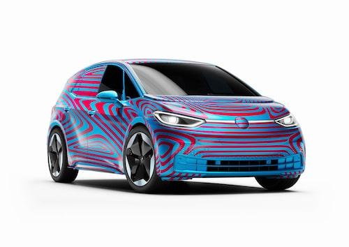 """Volkswagen är enda biltillverkare som inte tappar i värde från i fjol. Kan märket möjligtvis klättra än mer till nästa år, eller kanske nästa år igen, med tanke på Volkswagens elektriska satsning? Enligt """"Lex Tesla"""" är det inte omöjligt."""
