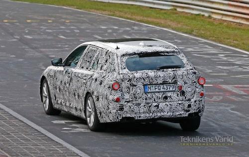 Hade man inte vetat bättre hade man trott att det var dagens 5-serie Touring som BMW är ute och testar.