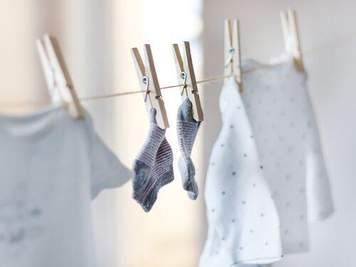 Det kan räcka med att vädra kläderna när de behöver fräschas upp.