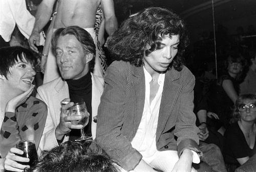 Halston med Liza Minelli och Bianca Jagger på Embassy Club 1979.