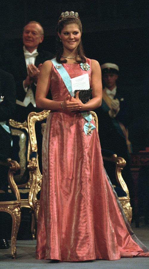 Kronprinsessan Victoria på Nobel-festen år 2000.