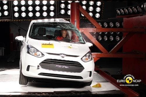 Euro NCAP krocktest Ford B-Max: stolpe