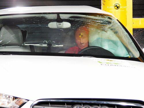 Euro NCAP krocktest Audi A3: stolpe