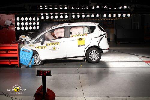 Euro NCAP krocktest Ford B-Max: front