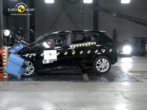 Euro NCAP krocktest Kia Cee'd: front