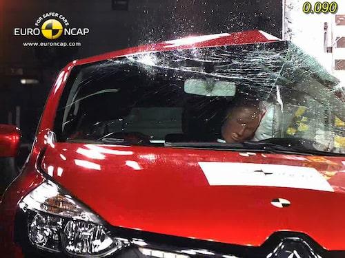 Euro NCAP krocktest Renault Clio: stolpe