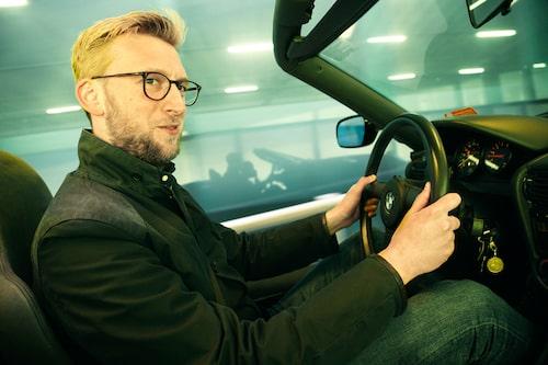 Erik Wedberg tycker inte om cabrioleter, men med nedfällbara dörrar går det an.