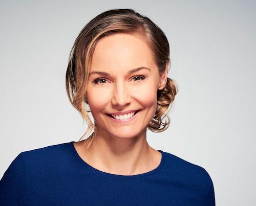 Programledaren Carina Berg gillar sina skrattrynkor.
