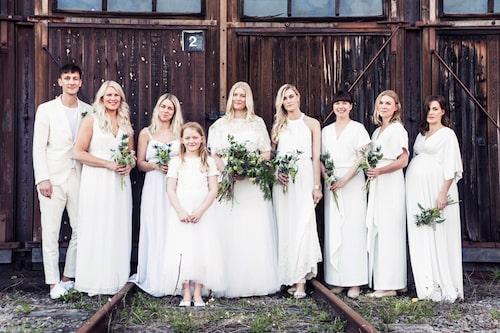 Bröllopet var storslaget med 220 gäster och drömklänning.