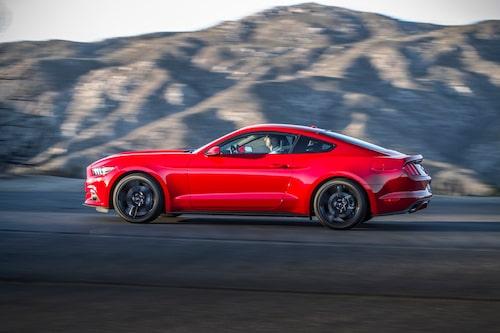 Mustang kommer för första gången att säljas i Europa och Asien av Ford själva.