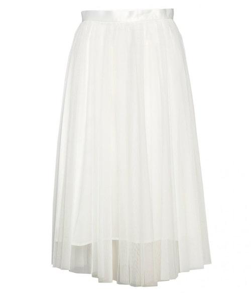 Tyllkjol från Ida Sjöstedt i lång modell. Klicka på bilden och kom direkt till kjolen.