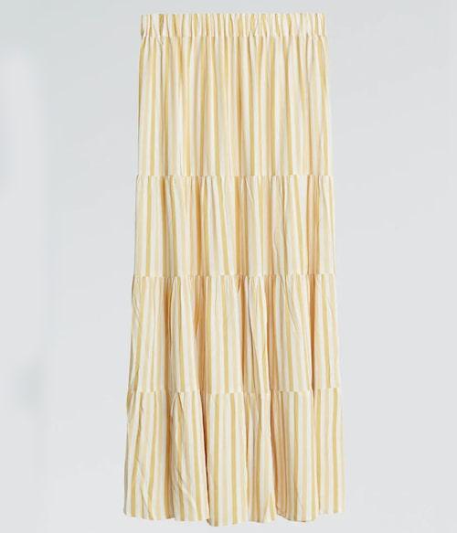 Maxikjol från Gina Tricot med tjusiga volanger. Klicka på bilden och kom direkt till kjolen.