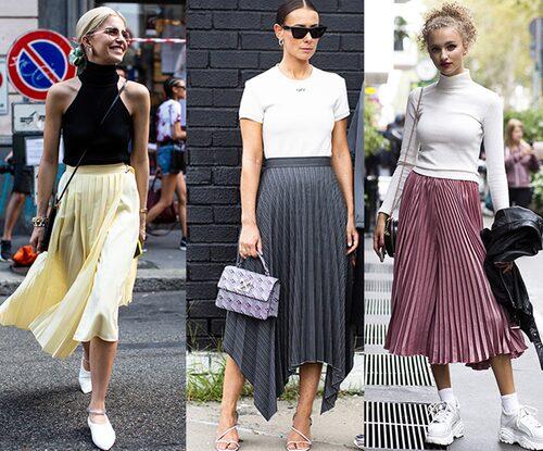 En plisserad kjol matchar du lika snyggt med sneakers som med klackar!