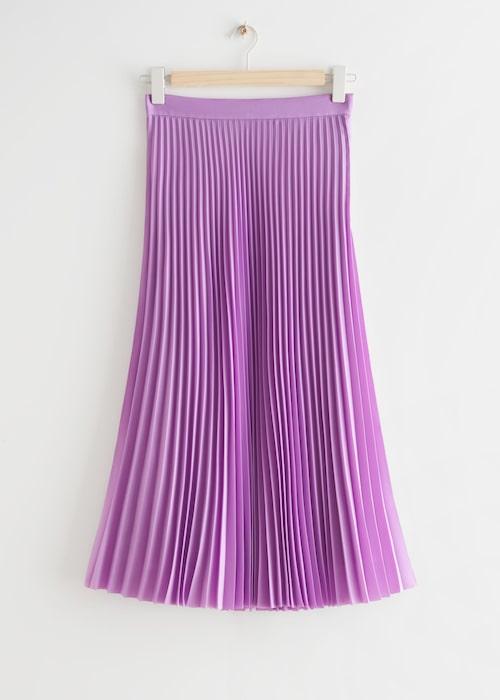 Lila plisserad kjol från & Other Stories.