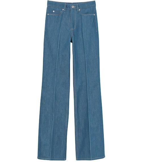 Jeans från H&M Studio AW20. Klicka på bilden och kom direkt till produkten.
