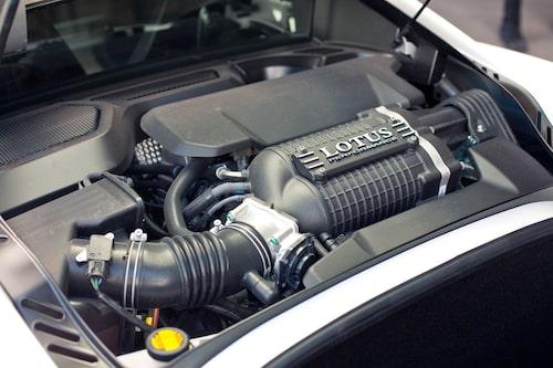 Har inte vi setts förut? V6-motor från Toyota, men nu med kompressorteknik.