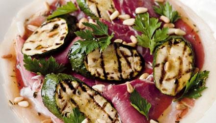 Italiensk zucchini med prosciutto