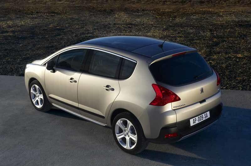 Sett bakifrån är nya Peugeot 3008 ganska identitetslös.