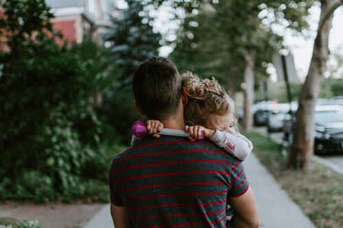 Du som har en medförälder som mår psykiskt dåligt: Nu är det viktigt att du kliver in och tar förstaplatsen, säger psykolog Malin Bergström.