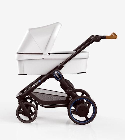 Även Emmaljunga har gjort en elbarnvagn.