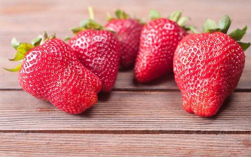 'Flair' är en tidig jordgubbssort, som är elegant och lämpar sig att dricka mousserande vin till.