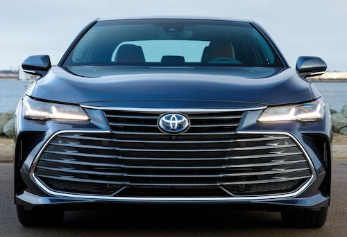 Toyota Avalon knäcker det mesta i grillväg.