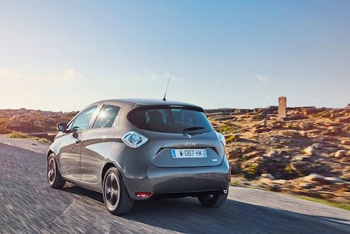 I Sverige står elbilar och laddhybrider för 3,5 procent av bilförsäljningen. Det är en hög nivå, i övriga Europa är marknadsandelen för elbilar inte ens hälften så stor.