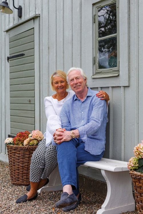När de började leta hade en av deras söner ett torp vid Borghamn utanför Vadstena, och det gjorde att de besökte staden med jämna mellanrum.