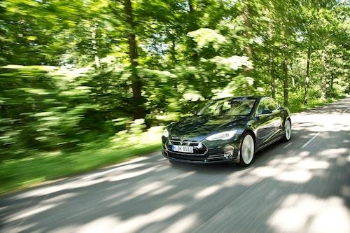 Tesla Model S Signature Performance