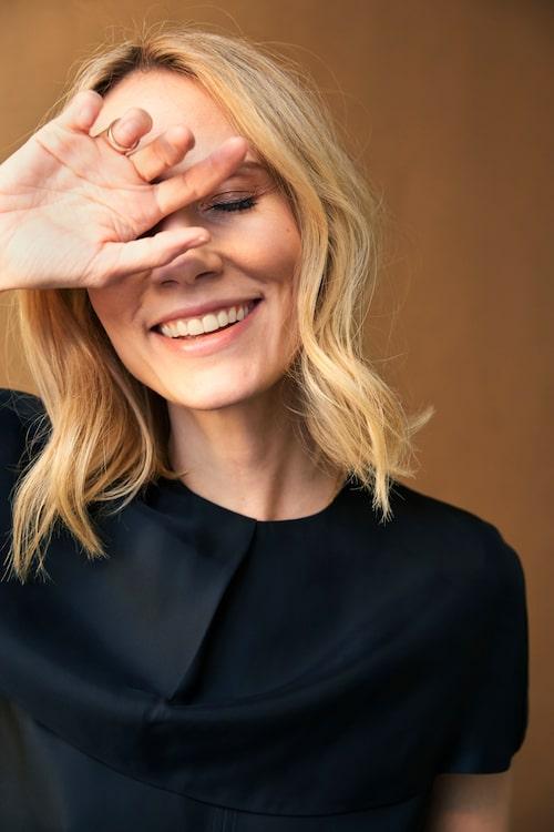 """Regissören, producenten och skådespelaren Moa Gammel menar att kvinnor är födda regissörer. """"Vi har mycket bättre fallenhet för yrket."""""""