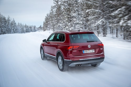 Prissättningen är aggressiv och Volkswagen tar redan order. Första leverans dröjer till våren.