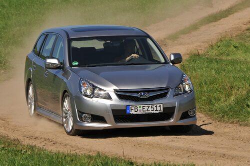 Subaru Legacy (gas) Klicka på pilarna för resten av listan.