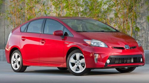 Toyota Prius (plugin + elhybrid, bensin)  Klicka på pilarna för resten av listan.